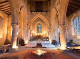 """Schlafen unterm Kruzifix: Schottland bietet """"Kirchen-Camping"""" an"""