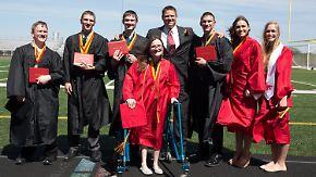 Kaum zu glauben, aber wahr: Erste überlebende Siebenlinge machen gemeinsam High-School-Abschluss