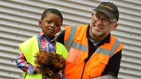 Held in Orange: Müllmann rettet Vierjährigen