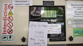 Auswirkung von Streiks und Blockaden: An Frankreichs Tankstellen wird das Benzin knapp