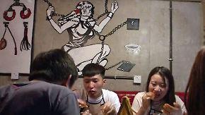 Kaum zu glauben, aber wahr: Erstes Fetisch-Restaurant eröffnet für Feinschmecker in Peking
