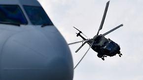 n-tv vor Ort auf der ILA: Bundeswehr zeigt größten Transport-Hubschrauber CH-53 in Aktion
