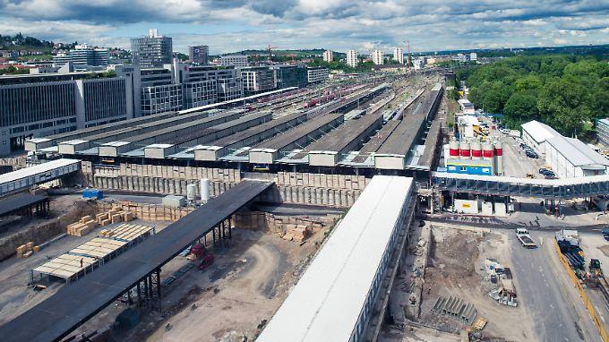 Reisende müssen seit Baubeginn lange Umwege im Bahnhof in Kauf nehmen.