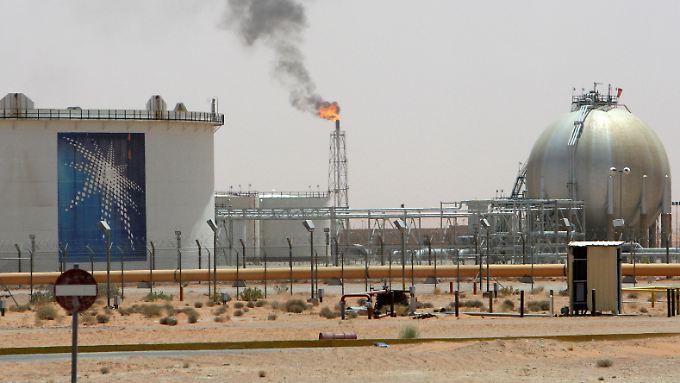 Saudi-Arabien will seinen europäischen Kunden einen überraschenden Preisnachlass auf Öl gewähren.