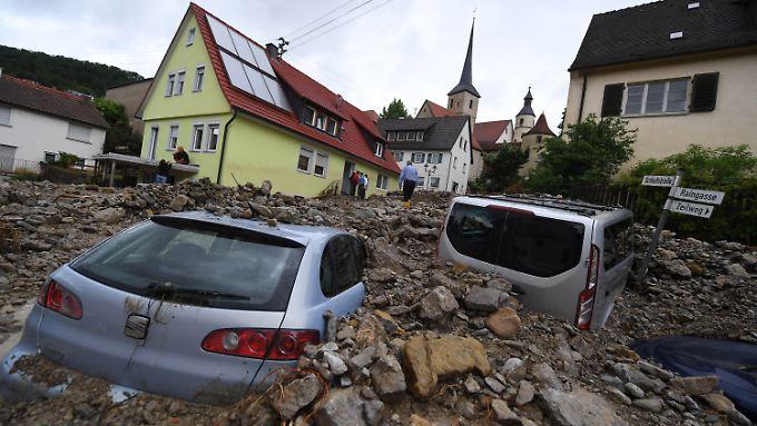 Eine Woche nach dem Unwetter laufen die Aufräumarbeiten in dem schwer getroffenen Ort Braunsbach.