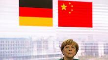 """Win-win-Situation"": Merkel spricht Umgang mit NGOs an"