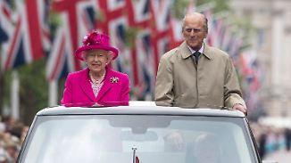 """Tausende Menschen säumen """"The Mall"""": Queen-Geburtstag endet mit bunter Picknick-Party"""
