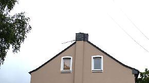 Familientragödie in Krefeld: Mutter wirft ihre drei Kinder aus dem Fenster