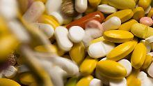 Studie der Krankenkassen: Jedes dritte neue Medikament ist unnötig