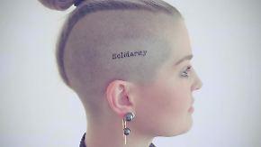 Promi-News des Tages: Kelly Osbourne lässt sich Botschaft auf Kopf tätowieren