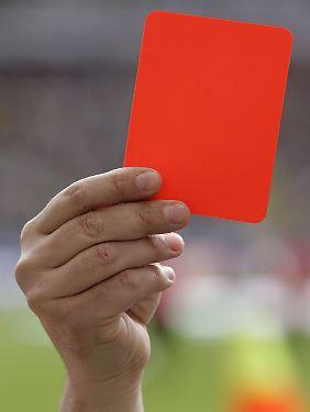 Rote Karte für die Hartplatzhelden? Das entscheidet am Donnerstag der Bundesgerichtshof.