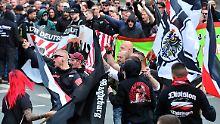 Radikalisierung zuerst im Netz: Rechte Szene in Deutschland wächst