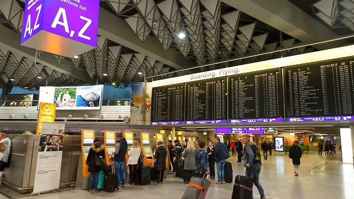 Der Flughafen Frankfurt ist der größte in Deutschland.