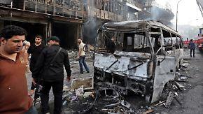 IS bekennt sich zu Anschlag in Bagdad: Autobombe reißt über 90 Menschen in den Tod