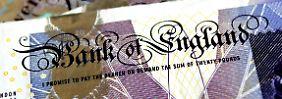 Politische Unsicherheit belastet: Britisches Pfund fällt unter 1,30-Dollar-Marke