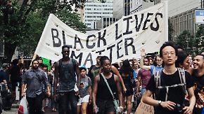 Wütende Proteste gegen Polizeigewalt: Obama wendet sich vom Nato-Gipfel aus an die Nation