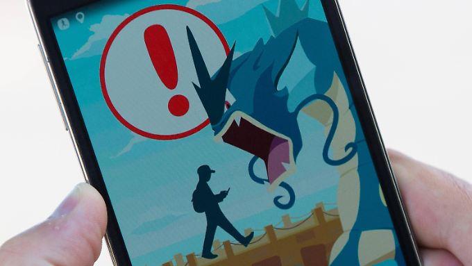 In einigen Ländern ist Pokémon Go bereits erhältlich und wird eifrig gespielt - wie hier im kanadischen Kingston. Doch selbst in Deutschland ist das Spiel schon verbreitet.
