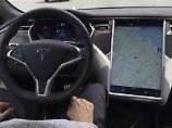 Zweiter Unfall mit Autopilot: Tesla-Auto kommt von Bergstraße ab