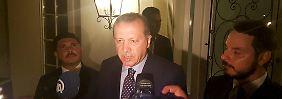Erdogan ist zurzeit in Marmaris im Urlaub, kündigte aber an, sich auf den Weg nach Ankara zu machen.