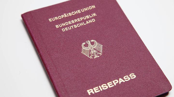 Bestimmte Stempel im Reisepass können zu Unannehmlichkeiten führen. Deshalb haben manche zwei Pässe.