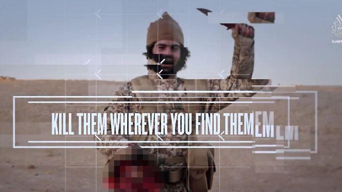 Hinrichtungsvideo mit Bildeffekten wie aus einem Actionfilm: Szene eines Gewaltvideos des IS.