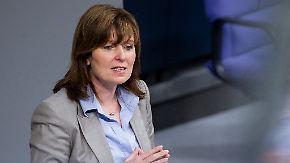 Rücktritt wegen Lebenslauf-Fälschung: Hinz wollte Parlament erst zur Bundestagswahl 2017 verlassen