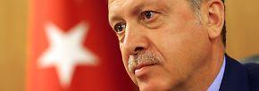 Solange Erdogan und Gülen verbündet waren - bis 2013 - schien das Erdogan aber wenig zu stören.