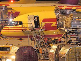 Zwei zufällig vereitelte Anschläge per Luftpost versetzen Terrorfahnder in Alarmstimmung.