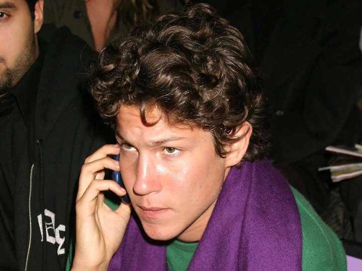 olmo schnabel 2014-11-5 mit seiner zweiten ehefrau, der baskischen schauspielerin olatz lópez garmendia, bekam julian schnabel dann die zwillinge cy und olmo (21.