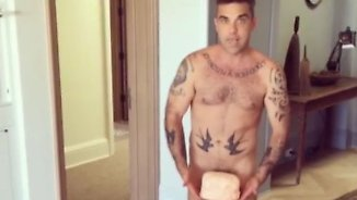 Promi-News des Tages: Robbie Williams serviert Creme-Törtchen im Adamskostüm