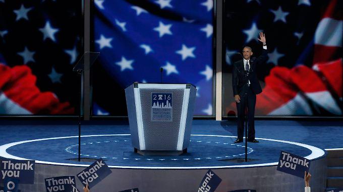 Nach-Amtsinhaber Barack Obama - zunächst allein auf der Bühne.