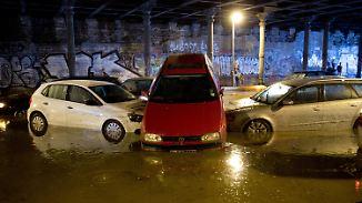 Heftige Gewitter über Ostdeutschland: Regenmassen überfluten Teile von Berlin