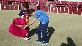 Torero-Schulen in Spanien: Kinder lernen das Töten von Stieren