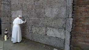 Bewegende Gesten: Papst Franziskus besucht NS-Vernichtungslager in Auschwitz