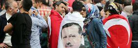 Wie stehst du zu Erdogan?: Deutsche und Deutschtürken entfremden sich