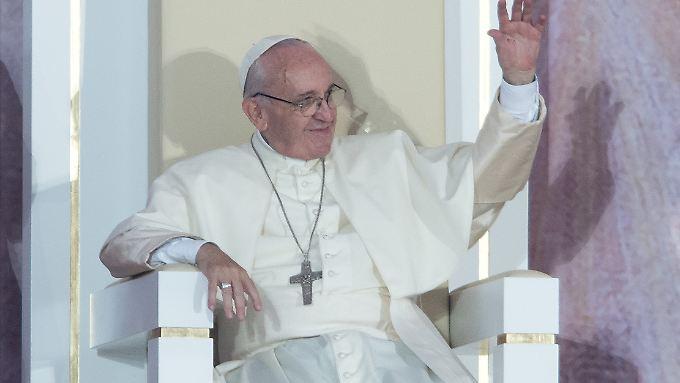 Der Papst setzt die Rolle der Frau in der katholischen Kirche auf seine Agenda.