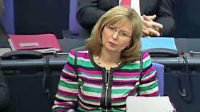 Festhalten am Bundestagsmandat: Petra Hinz legt ihre SPD-Parteiämter nach Lebenslauflüge nieder