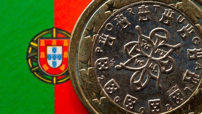 Portugal hatte letztes Jahr ein  Haushaltsdefizit von 4,4 Prozent. Erlaubt sind aber nur 3 Prozent.