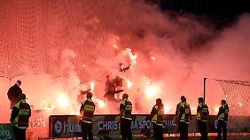 Die Stimmung im Rückspiel zwischen Bröndby und Hertha war schon im Stadion knisternd. Abgesehen von einigen Bengalos blieb es dort aber ruhig.