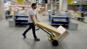Lob gibt es für Ikea und Möbel Rogg aus Balingen.
