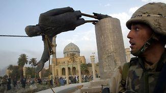 Zeitgeschichte in der Ebay-Auktion: Bronze-Bein von Saddam Hussein verkauft
