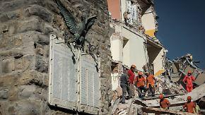 Schwierige Bergungsarbeiten in Amatrice: Retter graben mit bloßen Händen nach Verschütteten