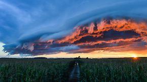 Hagelschlag und Sturmböen möglich: Gewitterfront beendet grandioses Sommer-Finale