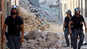 n-tv Reportage aus Amatrice: Polizeistreife sichert Trümmerstadt vor Plünderungen