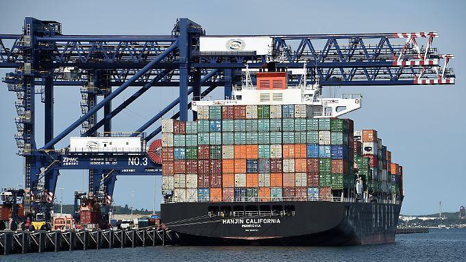 Die EU exportiert vor allem Fahrzeuge, Maschinen, Chemikalien, Lebensmittel und Dienstleistungen nach Australien.