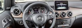 Bereits die Basisversion der Mercedes B-Klasse verfügt über ein Sieben-Zoll-Display mittig im Armaturenbrett.