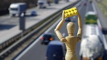 Neue Autobahn-Attacke in Dänemark: Steinewerfer treffen Krankenwagen