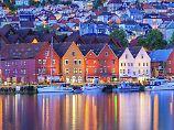 Hafenstadt vor den Fjorden: Die Regenjacke ist in Bergen ein Must-have