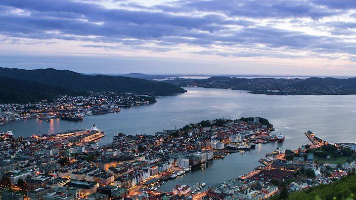 Aussicht über die Bucht von Bergen - bei gutem Wetter ein toller Ausflug.