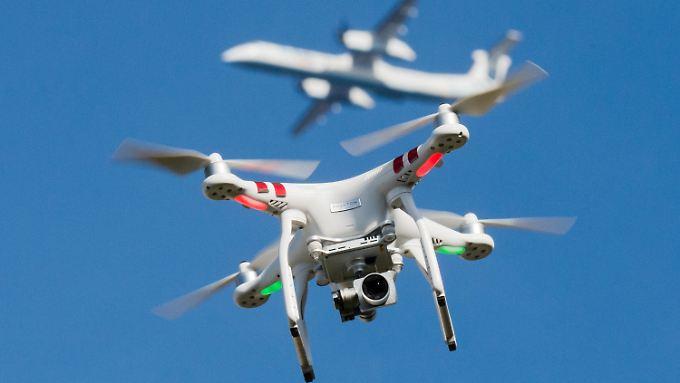 In Deutschland gibt es 400.000 Drohnen.